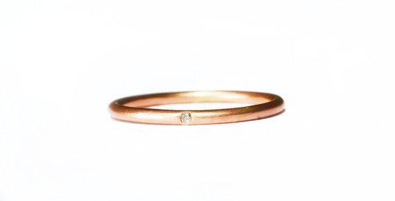 Mariage - 14k rose gold diamond ring, elegant thin diamond stacking ring. Simple engagement ring or wedding band