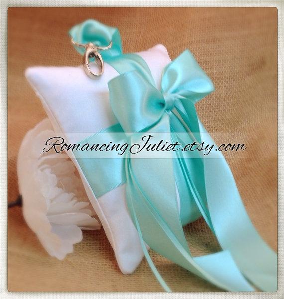 Свадьба - Pet Ring Bearer Pillow...Made in your custom wedding colors...shown in white /aqua