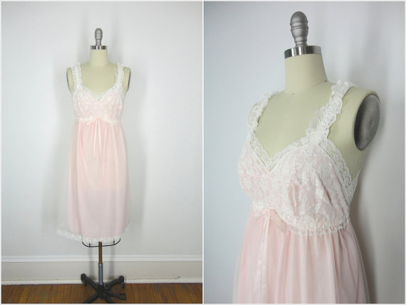 Свадьба - 1960s Nightgown Lingerie / Nightie / Aristocraft / Pink with White Lace / Bust 36