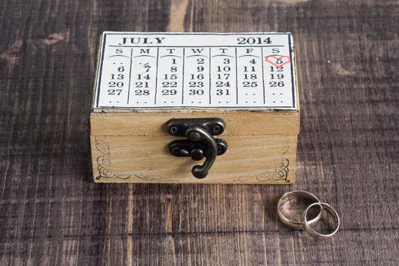 زفاف - Ring Bearer Box / Pillow Wedding Box Customizable Wedding box Wedding date Calendar Personalized  Personal Natural Ring Bearer Personalized