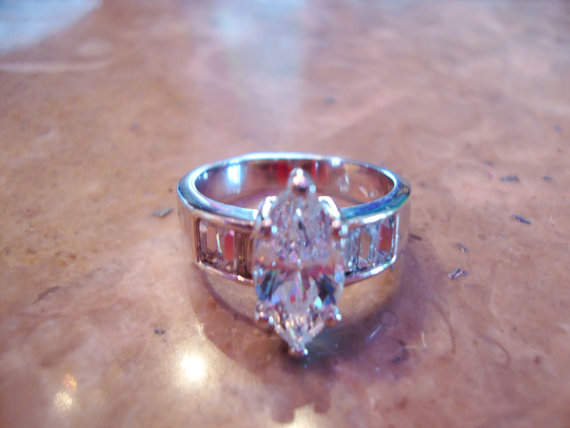 Large Size Signed BIG MARQUISE SOLITAIRE Vintage Silver Tone Channel