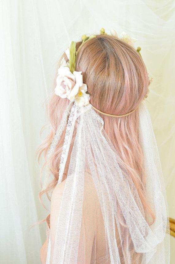 Mariage - Floral crown veil, wedding headpiece, bridal veil, ivory flower halo, pink rose crown, art nouveau headdress, wedding accessory