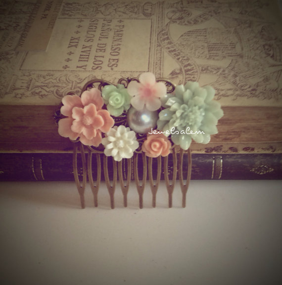 Свадьба - Pink Mint Green Hair Comb Wedding Hair Accessories Floral Bridal Bridesmaid Hair Comb Flowers Soft Misty Pastel Colors Hair Pin Shabby Chic