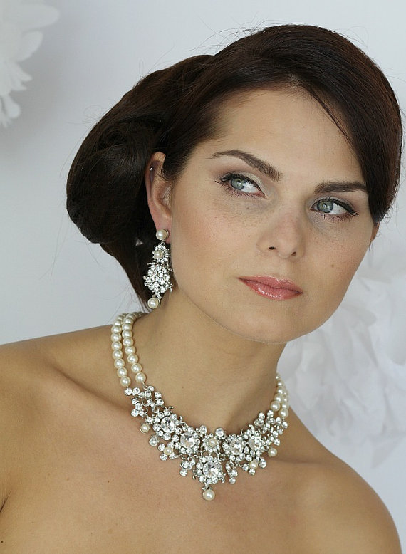 Mariage - Wedding Necklace, Pearls and crystal Bridal Necklace, Vintage Wedding Necklace, Bridal Jewelry Pearls, Wedding Pearl Necklace