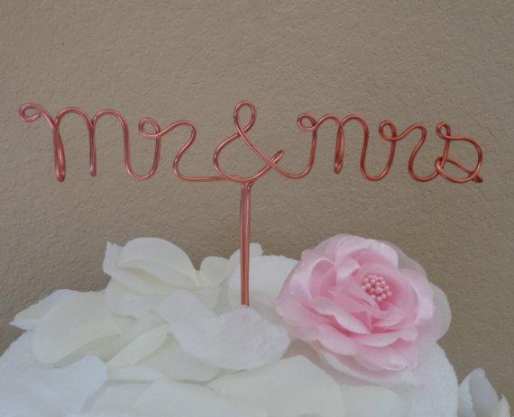 Hochzeit - Custom Cake Topper - Wedding Cake Topper, Mr & Mrs,Wire Cake Topper, Personalized Cake Topper, Unique Wedding Gift
