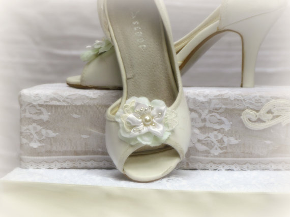 Mariage - Wedding Shoe Clips, Vintage Style Bridal Flower Shoe Clips