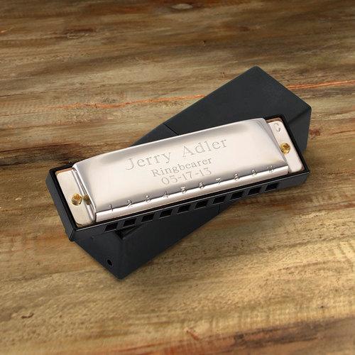 Свадьба - Engraved Harmonica - Personalized Ring Bearer Gift - Groomsmen Gift - Kids Gift  (FC414)