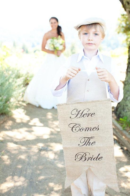 زفاف - Here Comes The Bride banner as seen in style me pretty!