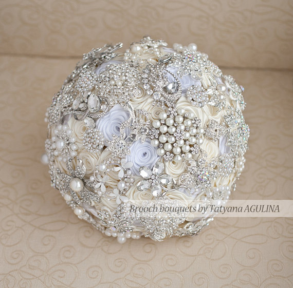Wedding - SALE Ready to ship Brooch bouquet. Ivory, White and Silver wedding brooch bouquet. Ready to ship!