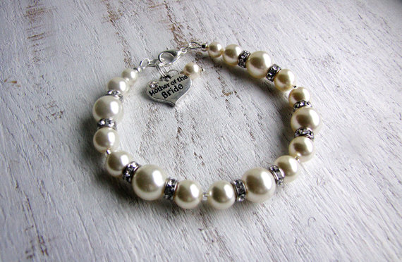 Wedding - MOTHER of the BRIDE gift, Mother of the GROOM bracelet, Swarovski Pearl Bracelets, Wedding Jewelry Gifts, Swarovski Pearls in White or Ivory