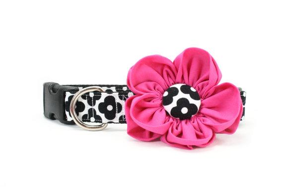 Свадьба - Hot Pink Dog Flower Collar Retro Black and White Floral Girly Mod - Caroline