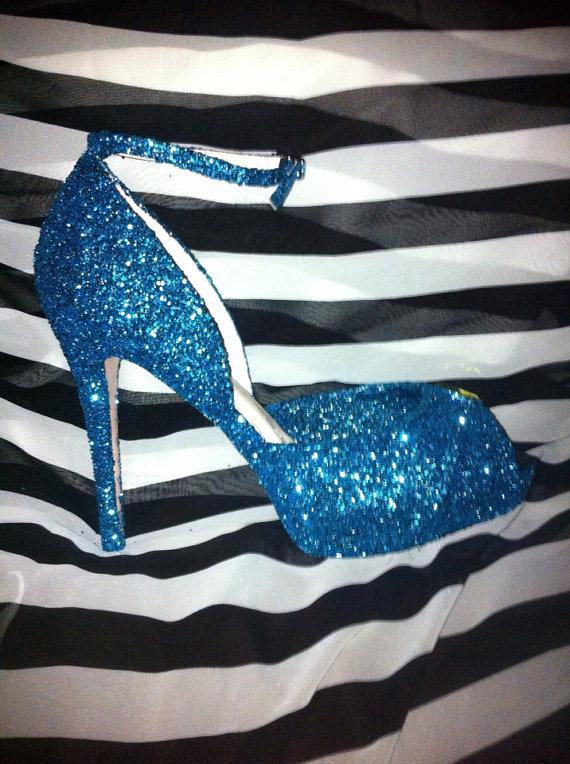 زفاف - Something blue wedding shoes for the bride or bridesmaids.  These sequined, jeweled, and glittered heels come in many heights/styles/colors