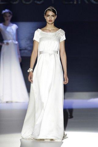 Hochzeit - Best Designer Wedding Dresses 2014 (BridesMagazine.co.uk)