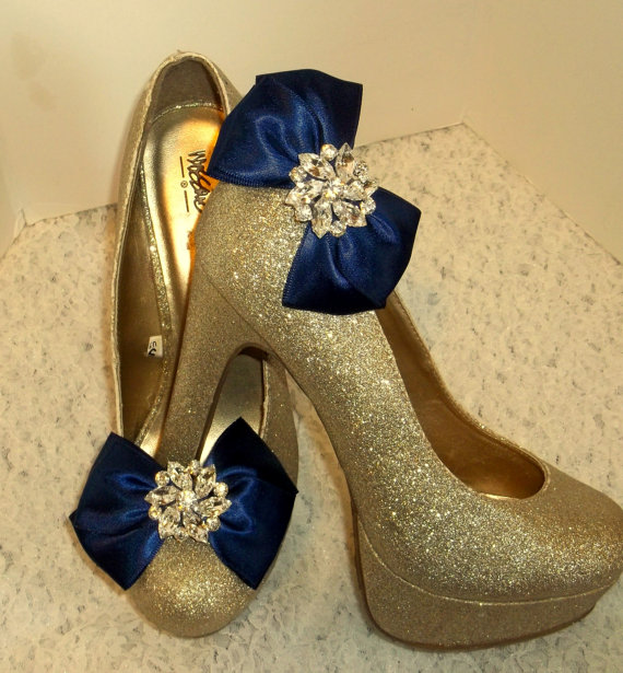 Свадьба - Wedding Shoe Clips - Satin Bows - MANY COLORS AVAILABLE womens shoe clips wedding shoes clip Rhinestone Brooch