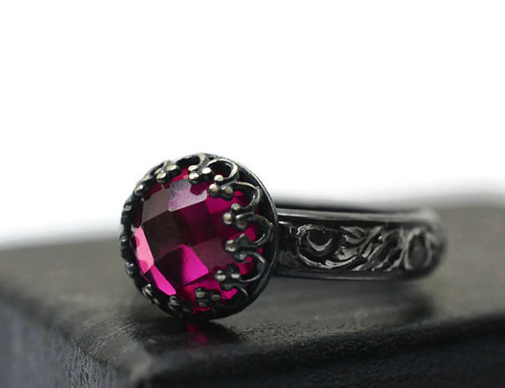 زفاف - Ruby Engagement Ring, Renaissance Style, Oxidized Silver Jewelry, Floral Band, Dark Pink Jewel Ring