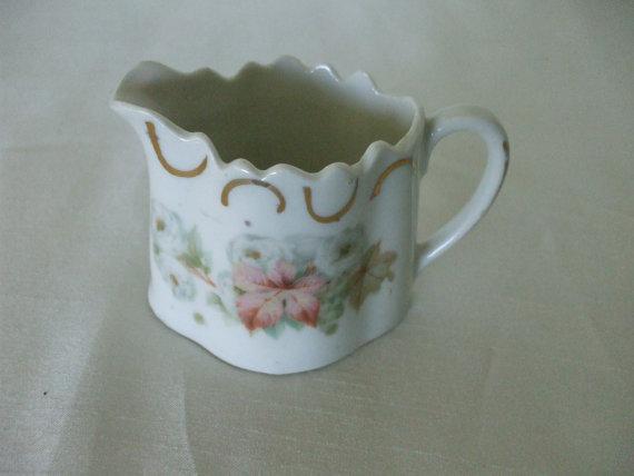 Mariage - Bavarian Creamer, White - Rose Bouquet - Gold Trim,  Vintage,  Stamped- Home Decor,  Porcelain, #5207,