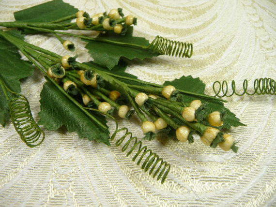 Mariage - Vintage Millinery Berry Spray NOS Ivory Fruit for Hats, Crafts, Weddings, Bouquets, Corsage