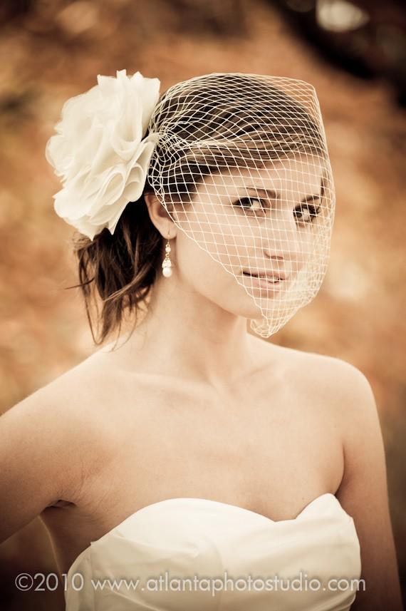 Свадьба - Bridal Birdcage VEIL ONLY Beautiful Modern with a vintage style Ivory Veil or White detachable Bird Cage VEIL,