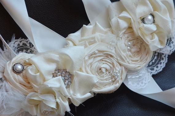 Свадьба - Bridal Sash /Vintage Wedding Dress Sash Belt/Ivory Flower Wedding Dress Sash Rhinestone Sash, Bridesmaids sash, Vintage Photo