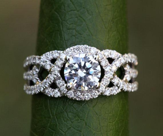 زفاف - TWIST OF FATE - 14k - Diamond Engagement Ring - Halo - Unique - Swirl - Pave - 1 Carat Center diamond - Beautiful Petra Rings - Bp024