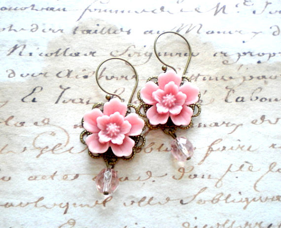 Свадьба - Pink Chandelier Earrings Pastel Bridesmaid Earrings Pink Flower Earrings Bridesmaid Jewelry Pink Dangle Earrings Pastel Wedding Jewelry