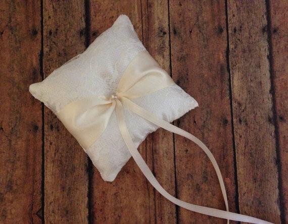زفاف - Ivory Lace Pet Ring Bearer Pillow