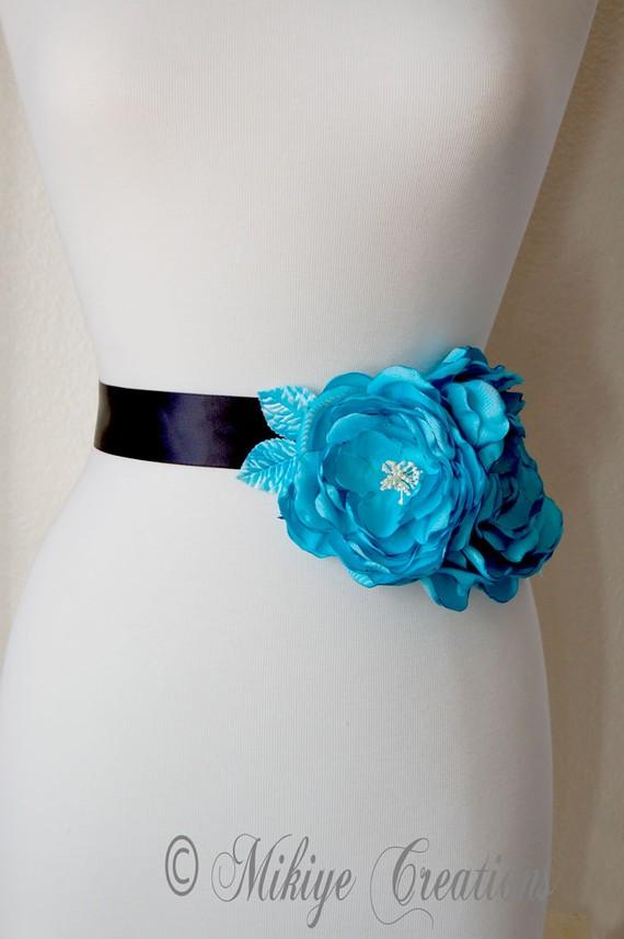Mariage - Aqua Blue Wedding Sash Flowers, Large Flower Sash Accessory, Wedding Hair Flower, Bridal Floral Hair Flowers In Turquoise