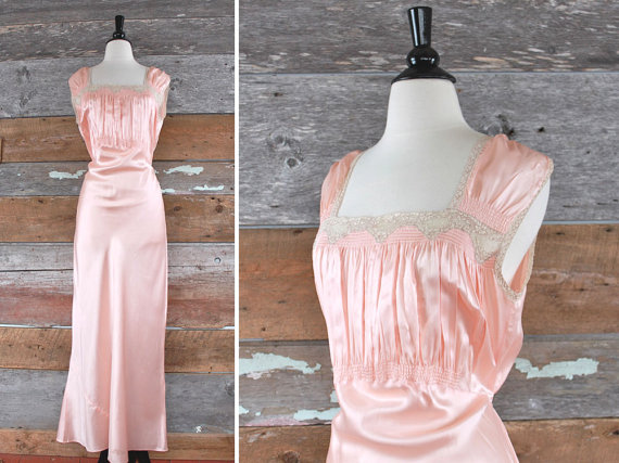 Свадьба - 1930s nightgown // 30s bias cut dressing gown // 30s pale pink lace gown // size l - xl