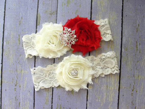 Mariage - ON SALE Garter Wedding, Red Garter Set, Ivory Garter, Custom Garter, Garter Sets, Bridal Garter, Wedding Garter Belt, Thigh Garter, Red Wedd