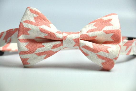 Wedding - Boy's Bow Tie - Salmon Pink and Cream Houndstooth Bowtie - Children's Tie