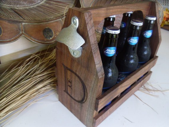 Свадьба - Beer Tote Personalized and Engraved for Groomsmen, Groom, Dad, Birthdays, Christmas Gifts