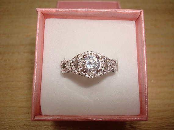 Mariage - Gorgeous Diamond Cut White Sapphire 925 Sterling Silver Halo Engagement Ring Size 6