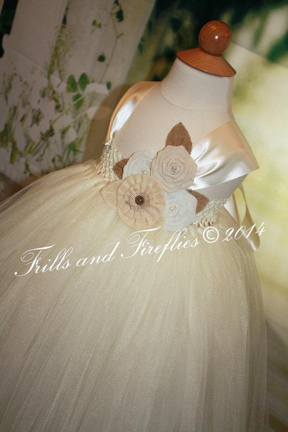 Свадьба - Ivory Flower girl dress, Rustic Ivory & Beige Burlap Flowergirl Dress with Satin Ribbon Shoulder Straps, Weddings 18-24 Mo 2t,3t,4t,5t, 6