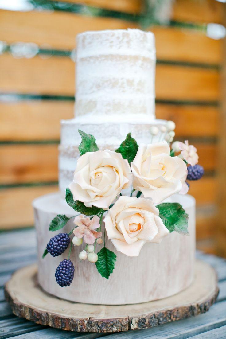 زفاف - White & Gold Wedding Cakes