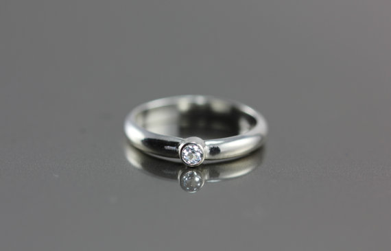Hochzeit - Simple White Topaz or Diamond Ring - Sterling Silver - Conflict Free & Ethically Sourced - Wedding, Engagement, Anniversary, Promise Ring