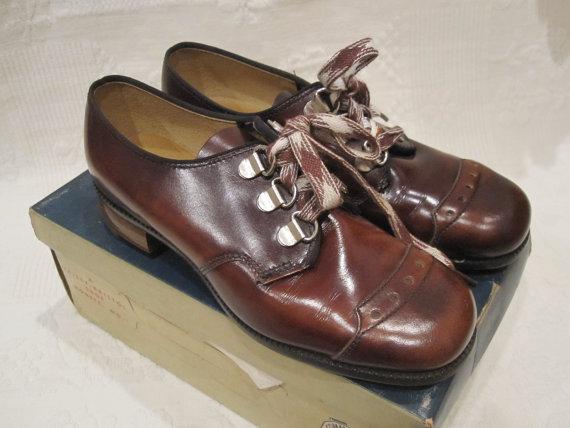 Mariage - Girls Vintage Brown Oxford Shoes Size 12B