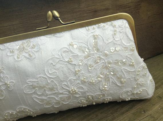 Свадьба - Empress Lace & Pearl Bridal Clutch (white)- Wedding Clutch