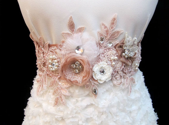 Свадьба - Blush Pink Wedding Sash Bridal Belt Flower 3D Applique Rhinestone Pearl Bridal Beaded