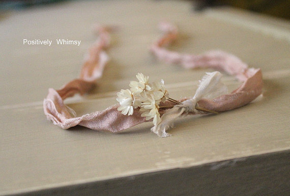 Свадьба - Newborn Tieback Headband, RTS, Dried Flower Headband, Rustic Headband, Country Wedding, Lace, Twine, Halo, Off-White & Champagne Taupe