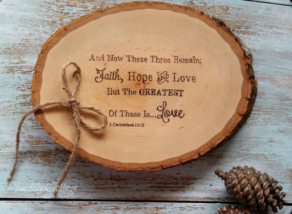 زفاف - Rustic Wood Ring Bearer Pillow, Faith, Hope Love, Hand Engraved, Woodland Wedding, Alternative Ring Bearer, Inspirational