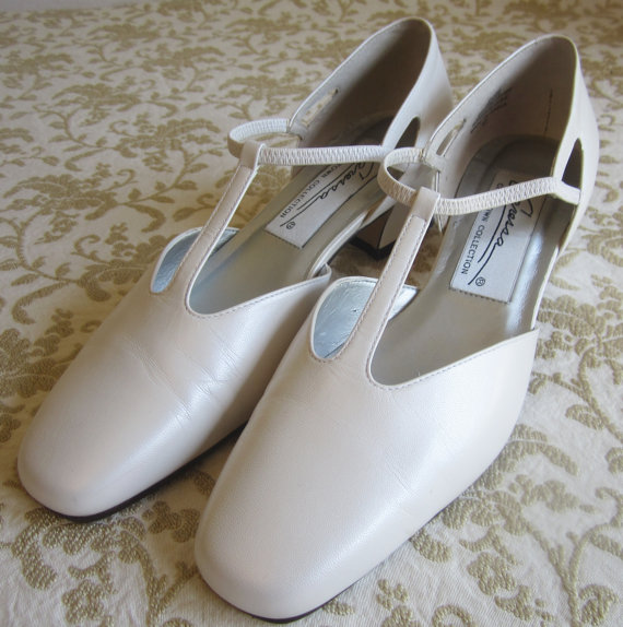 Mariage - Pristine Ivory, White Bridal, Wedding, T Strap Low Heel Shoes, Footwear, Vintage Formal Wear Accessories Size  9