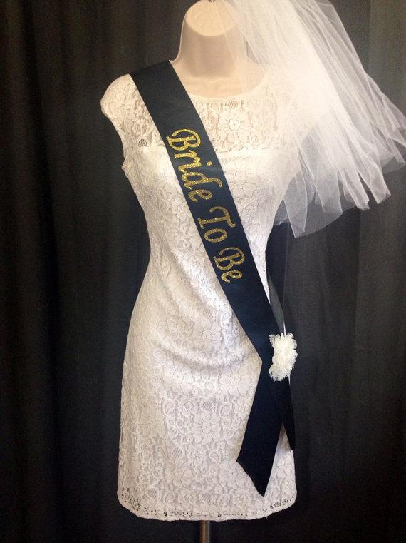Mariage - Bachelorette Sash & Basic Veil ***Design Your Own Sash***