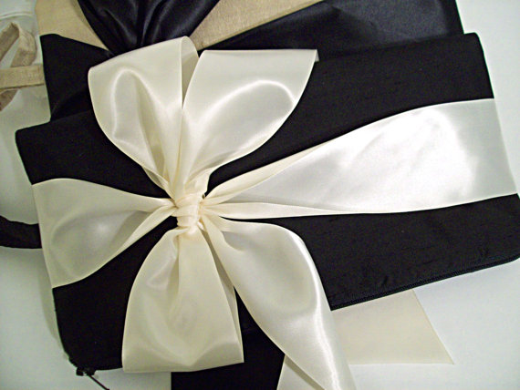 Mariage - Large Bow clutch (Monogram available) - Bridesmaid gifts, bridesmaid clutches, bridal clutches wedding party