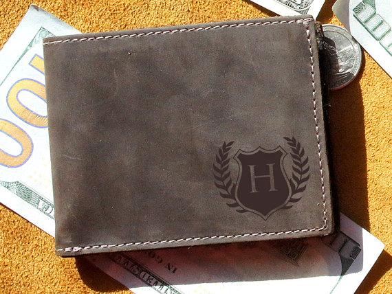 Hochzeit - Monogrammed Leather Wallet - Personalized, Engraved, Groomsmen Wallets