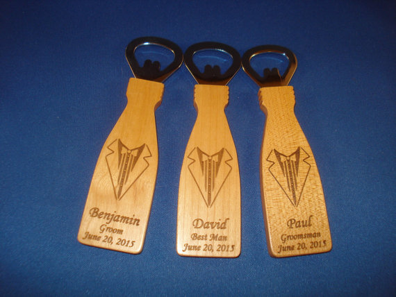 Свадьба - GROOMSMEN GIFTS - 7 Personalized Tuxedo Style Bottle Openers - Great gifts for Best Man, Groomsmen, Ushers
