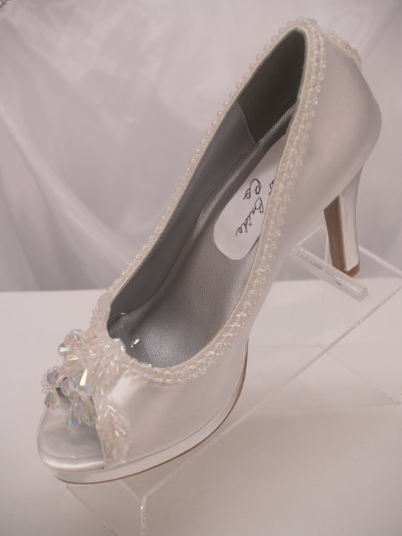 Hochzeit - White Wedding Shoes Iridescent color embellished