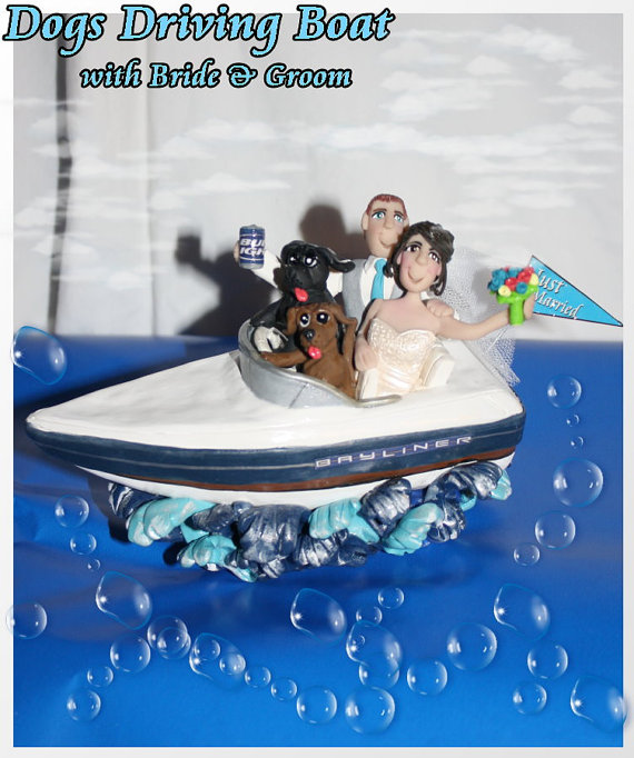 Свадьба - Wedding Cake Topper, Dog Driving Boat with Bride and Groom, Personalized