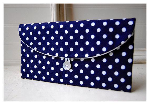 Свадьба - Navy Blue, Polka Dot , Clutch Purse, Navy Bridesmaid Clutch, bridesmaid gift, blue white purse, Wedding Gift, bridal clutch, wedding clutch,