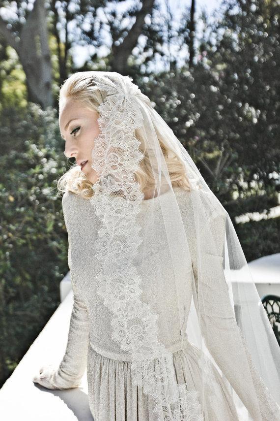 Mariage - Chantilly Lace Juliet Bridal Cap Wedding Veil, Single Layer Mantilla, Fingertip, Waltz, Chapel, Cathedral, Style: Flora #1211