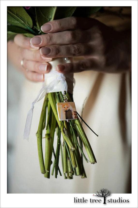 Hochzeit - BC2 - Bouquet Photo Memorial Charm - Medium - Custom Bouquet Jewelry
